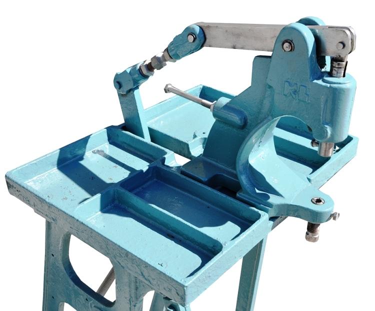 grommet machine used