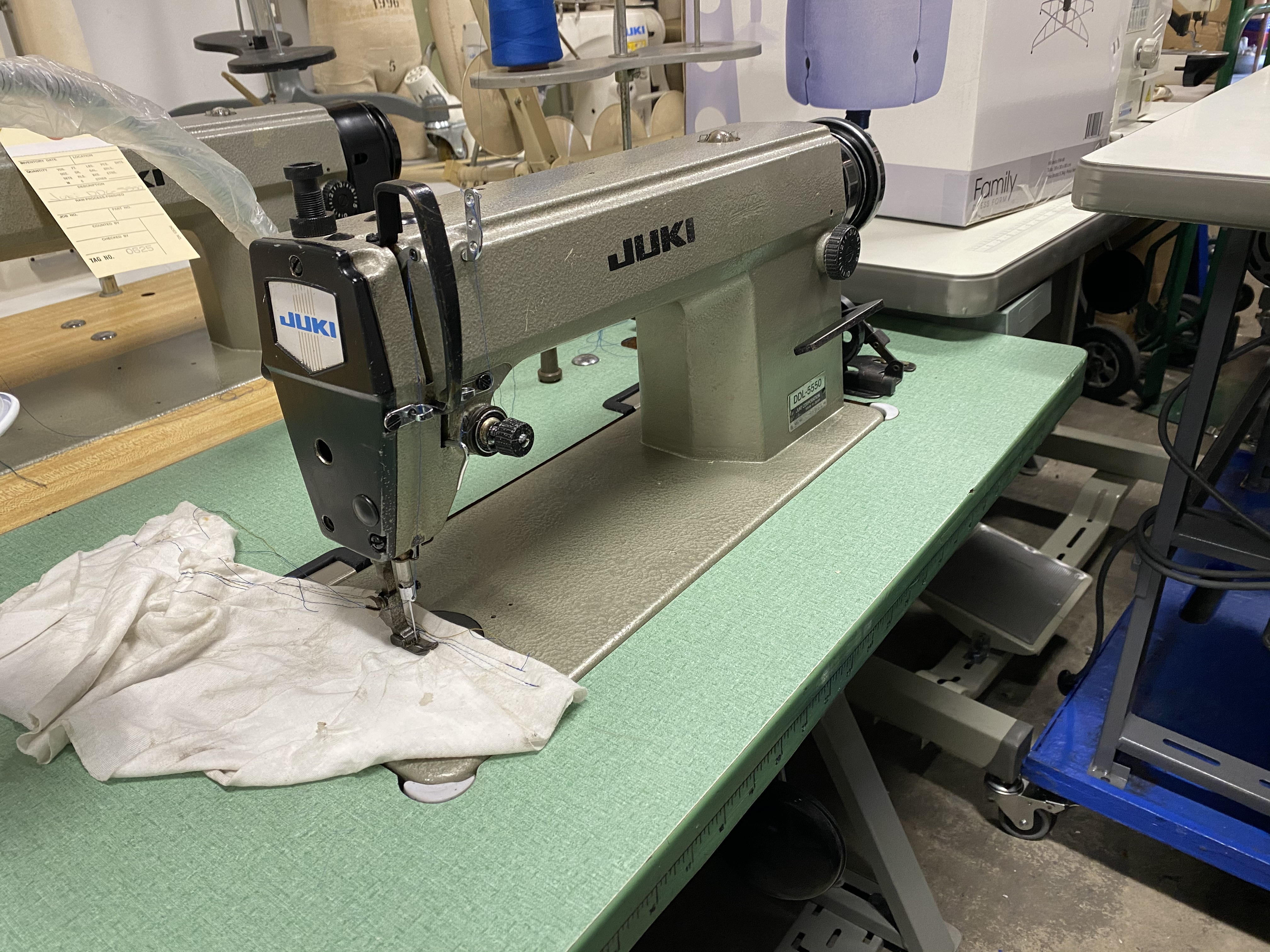 Juki DDL-5550, Industrial Sewing Machine, lockstitch single needle
